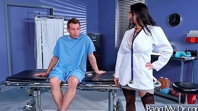 Hot Kinky Patient (Ava Addams) Seduced By Doctor Rate Sex Treatment clip-03