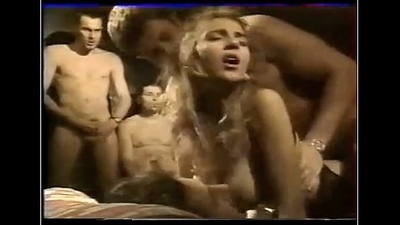 Who is she ?? french co-signatory party gangbang