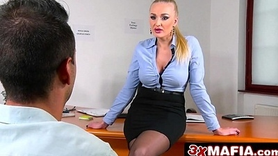 Russian Jezebel Kayla Unfledged is a Perfect Sexual Counsellor