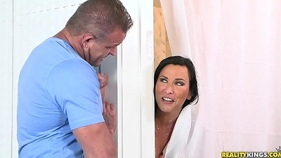 Lezley zen screwed hard in rub-down the shower