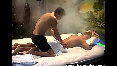 Hot Massagist Tempted Me With His Amazing Sensual Rub-down