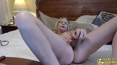 Fucking amazing blue-eyed MILF Brianna Ray with perfect big tits