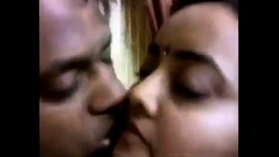 Indian couple hawt smooches with selfi video